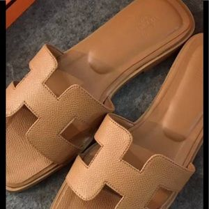 Shoes - Tan sandals size 36 with box